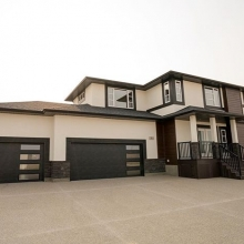 Another one of our favourite homes out in Pilot Butte. #crawfordhomesfortyyearsstrong #crawfordhomes #countrylifeinthecity