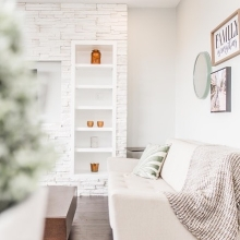Light and bright! We hope everyone enjoyed the amazing weather this weekend as much as we did! #crawfordhomesfortyyearsstrong #springishere #yqr #lightandbright #interiorstyle
